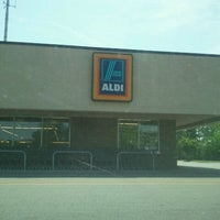 Photo taken at Aldi by Sherrie E. on 4/17/2012