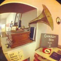 Das Foto wurde bei Ohlala von Flan am 2/19/2012 aufgenommen