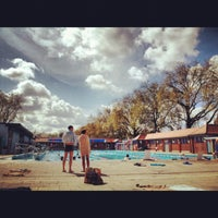Photo prise au London Fields Lido par Pol D. le4/22/2012