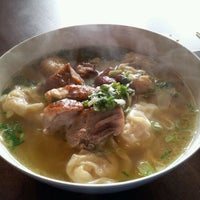 Photo taken at Teo Chow Noodle Shack by D-ta L. on 3/1/2012