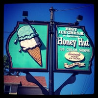 Photo taken at Honey Hut Ice Cream Shoppe by Kevin P. on 5/17/2012