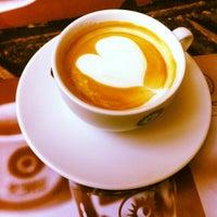 Photo taken at Golden Coffee by ŚkⒶℳÂℕ 🎿⛷🇷🇺🇩🇪 (͡๏̯͡๏) on 8/12/2012