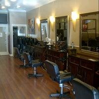 Das Foto wurde bei The Cottage Hair Salon von Stuart H. am 9/11/2012 aufgenommen