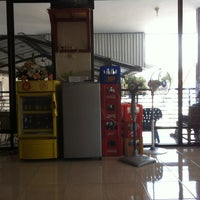 Photo taken at Positif Motor & Car Wash by Joshua S. on 9/9/2012