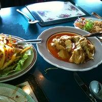 Photo taken at Siam Kitchen by Katarina S. on 6/17/2012