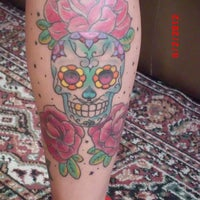 Foto tirada no(a) Estudio Royal Tattoo por Ana Paula P. em 7/19/2012
