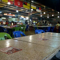 Photo taken at Maza Jungle Food Court by Desa E T. on 7/1/2012
