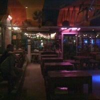 Das Foto wurde bei Roots Rock Reggae von wijittra s. am 2/16/2011 aufgenommen