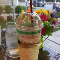 Photo taken at Aroy Jing Khao Tha-Lu Coffee and Smoothies by Pon P. on 5/31/2012