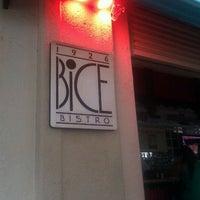 Foto scattata a Bice Bistro da Indira T. il 9/25/2011