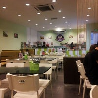 Photo taken at Twins Dessert by Shing on 12/4/2011