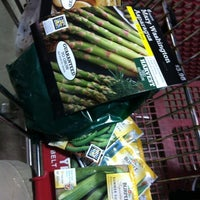 Photo taken at Lowe's Home Improvement by Justin W. on 3/16/2012