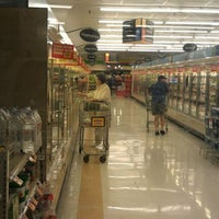 Photo taken at Food Lion Grocery Store by Daniel M. on 10/7/2011
