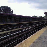 Photo taken at MTA Subway - Mosholu Parkway (4) by Peeb on 9/2/2011