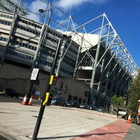 Photo taken at St James' Park by Bessie L. on 9/6/2011