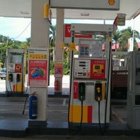Photo taken at Shell by Abong S. on 12/29/2011