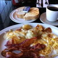 Photo taken at North Hollywood Diner by Steve R. on 4/30/2011