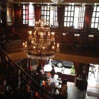 รูปภาพถ่ายที่ Uncle Jack's Steakhouse โดย Luis R. เมื่อ 6/8/2012
