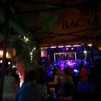 รูปภาพถ่ายที่ The Beach on Bourbon โดย Alicia U. เมื่อ 7/12/2012