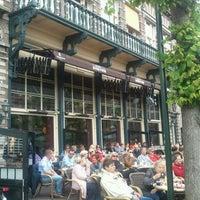 Photo taken at Grand Café Brinkmann by 근 김. on 5/17/2012