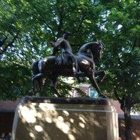 Foto tirada no(a) Paul Revere Statue por J S. em 5/19/2012