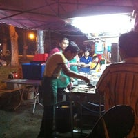 Photo taken at Syidie Burger & Hotdog by Saffuan J. on 2/16/2012