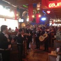 Foto tomada en La Parrilla Mexican Restaurant por Luke el 2/12/2012