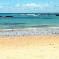 รูปภาพถ่ายที่ Praia de Guaxuma โดย Heloísa V. เมื่อ 2/25/2012