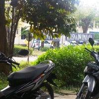 Photo taken at Universitas Krisnadwipayana (Unkris) by Akhmad R. on 6/13/2012