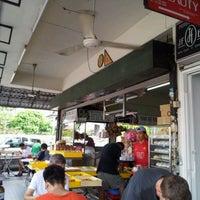 Photo taken at Restoran Yong Len by Marcus W. on 3/17/2012