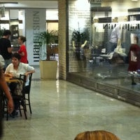 Foto tirada no(a) Casa & Gourmet Shopping por Zé R. em 4/22/2012