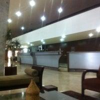Foto diambil di Hotel Nacional oleh George P. pada 1/11/2012