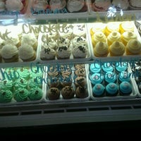 Photo taken at Butta Cakes by Mary L. on 7/13/2012