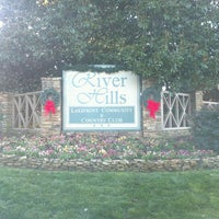 Photo taken at River Hills Country Club by Daryl B. on 12/28/2011