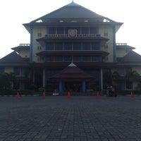 Photo taken at Kantor Manajemen Univ. Airlangga by Lukman H. on 7/2/2011