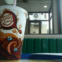 Photo taken at Burger King by Leandro M. on 1/19/2012