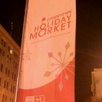 Foto tomada en Downtown Holiday Market por Chris R. el 12/4/2011