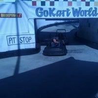 Foto scattata a Go Kart World da Shellee H. il 7/17/2012