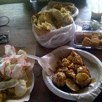 Photo taken at Tahu Susu Lembang - Sahara Food Market by Aina D. on 12/11/2011