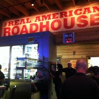 Photo taken at Logan's Roadhouse by Alan on 9/18/2011