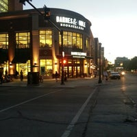 Photo taken at Barnes & Noble by Tom M. on 9/11/2012