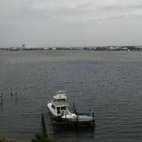 รูปภาพถ่ายที่ The Condo-Sea La Vie โดย Kimberly A. เมื่อ 4/4/2012