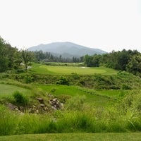 Photo taken at Blue One SANGJU GOLF RESORT by abuMindS on 6/17/2012