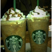 Photo taken at Starbucks by Bionik B. on 9/26/2011