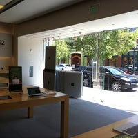 Photo taken at Apple Southlake Town Square by Lilly C. on 9/7/2011