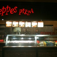 Photo taken at Peppes Pizza by Alf S. on 9/27/2011