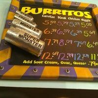 9/5/2011 tarihinde Reginald B.ziyaretçi tarafından Freebirds World Burrito'de çekilen fotoğraf