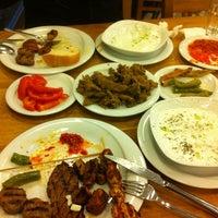 5/20/2012 tarihinde Dorio G.ziyaretçi tarafından Kırkpınar Kasap & Restaurant'de çekilen fotoğraf