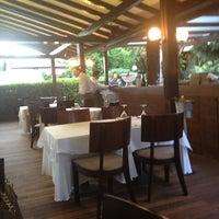 รูปภาพถ่ายที่ Şans Restaurant โดย Mustafa D. เมื่อ 6/21/2012