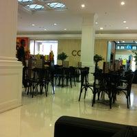 Photo taken at Havanna Café by Oswaldo R. on 11/11/2011